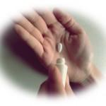 デキサンvg軟膏0.12%の強さ【陰部や顔のニキビに使用できる?】
