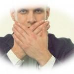 痛い!舌を噛んだ時の対処法【治らない口内炎治療も詳しく解説】